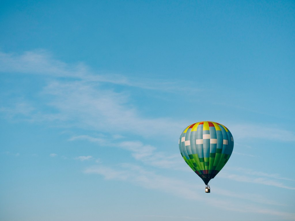aaron-burden-travel-hot-air-balloon